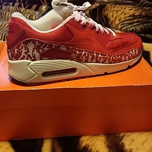 NIKE AIR MAX  Red size 10